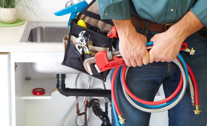 A good plumber has proper safety equipment